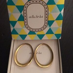 Stella & Dot Georgia Hoops Gold